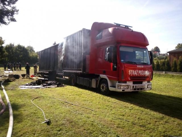 Pojazd strażacki z komorą ogniową