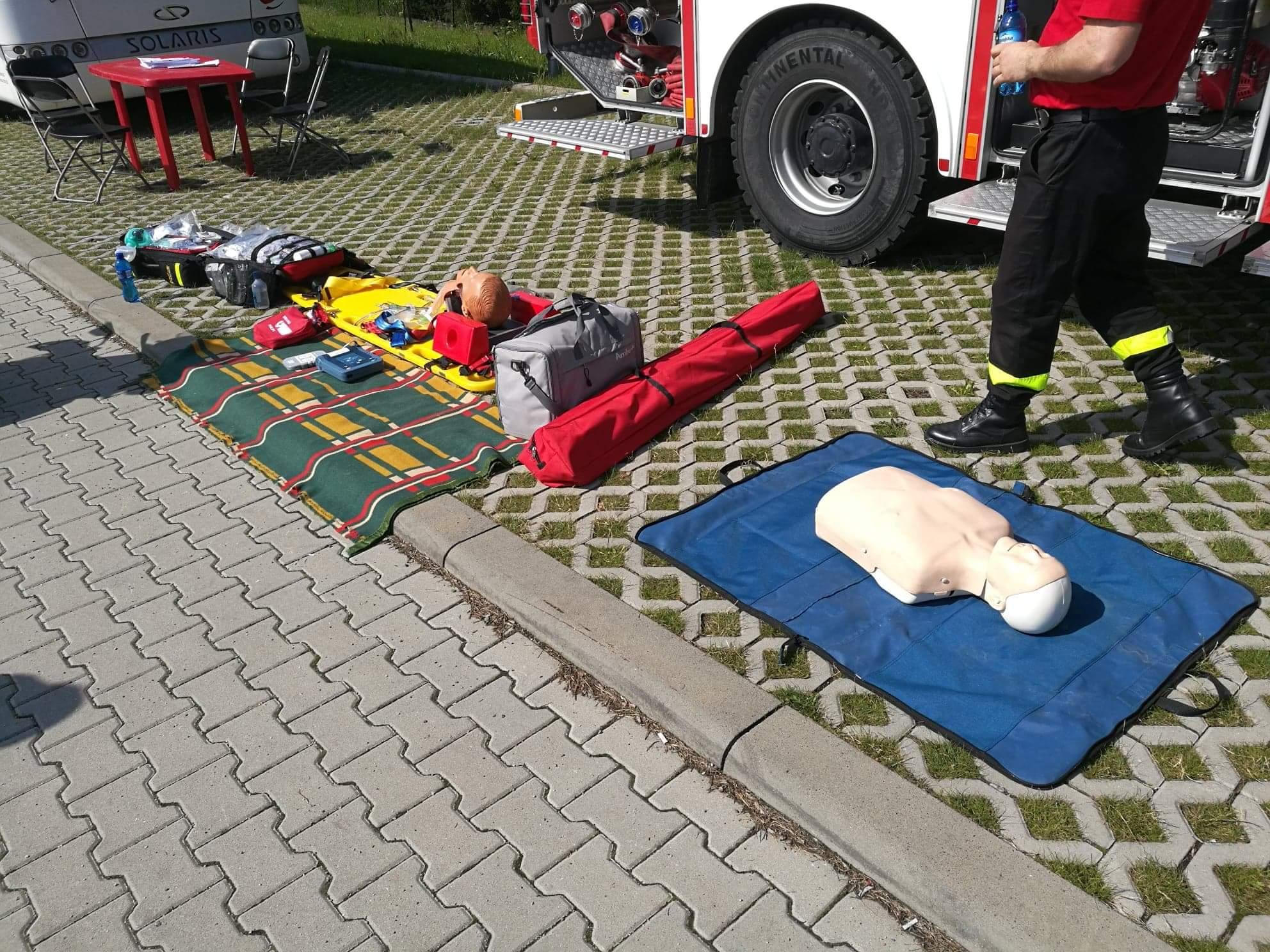 Rekwizyty do ćwiczeń z udzielania pierwszej pomocy