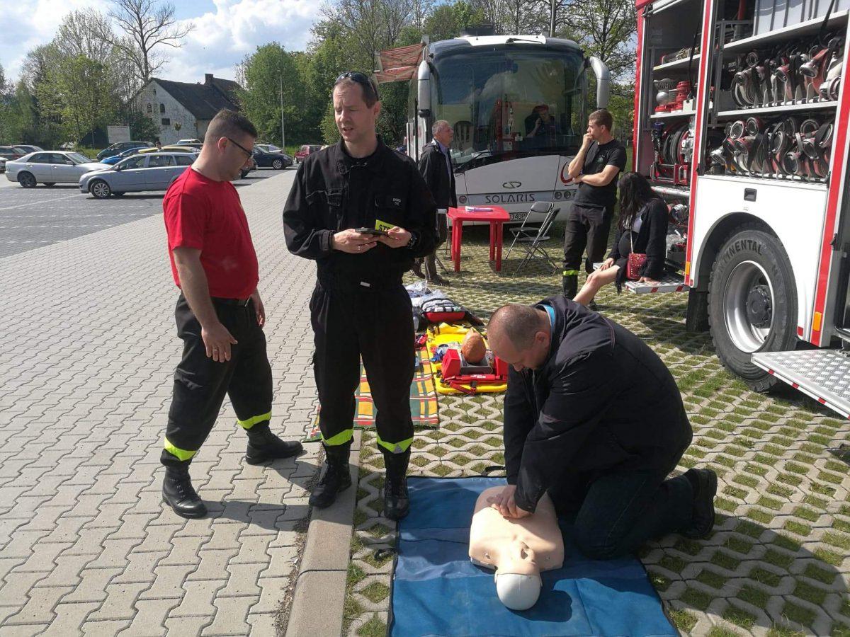 Ćwiczenia z udzielania pierwszej pomocy poszkodowanym