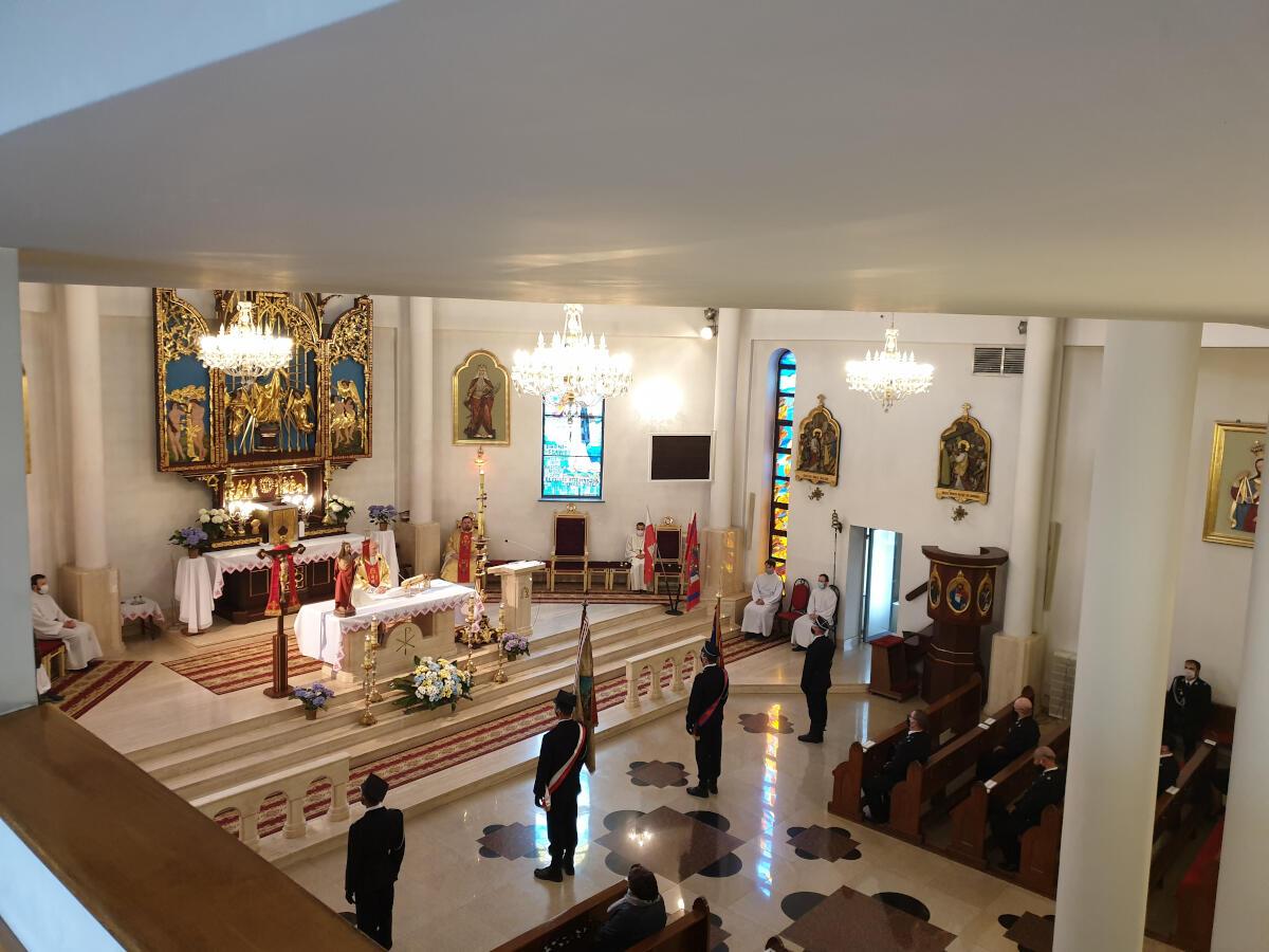 Dzień Strażaka - Uroczystość w kościele zdjęcie n 5r 6