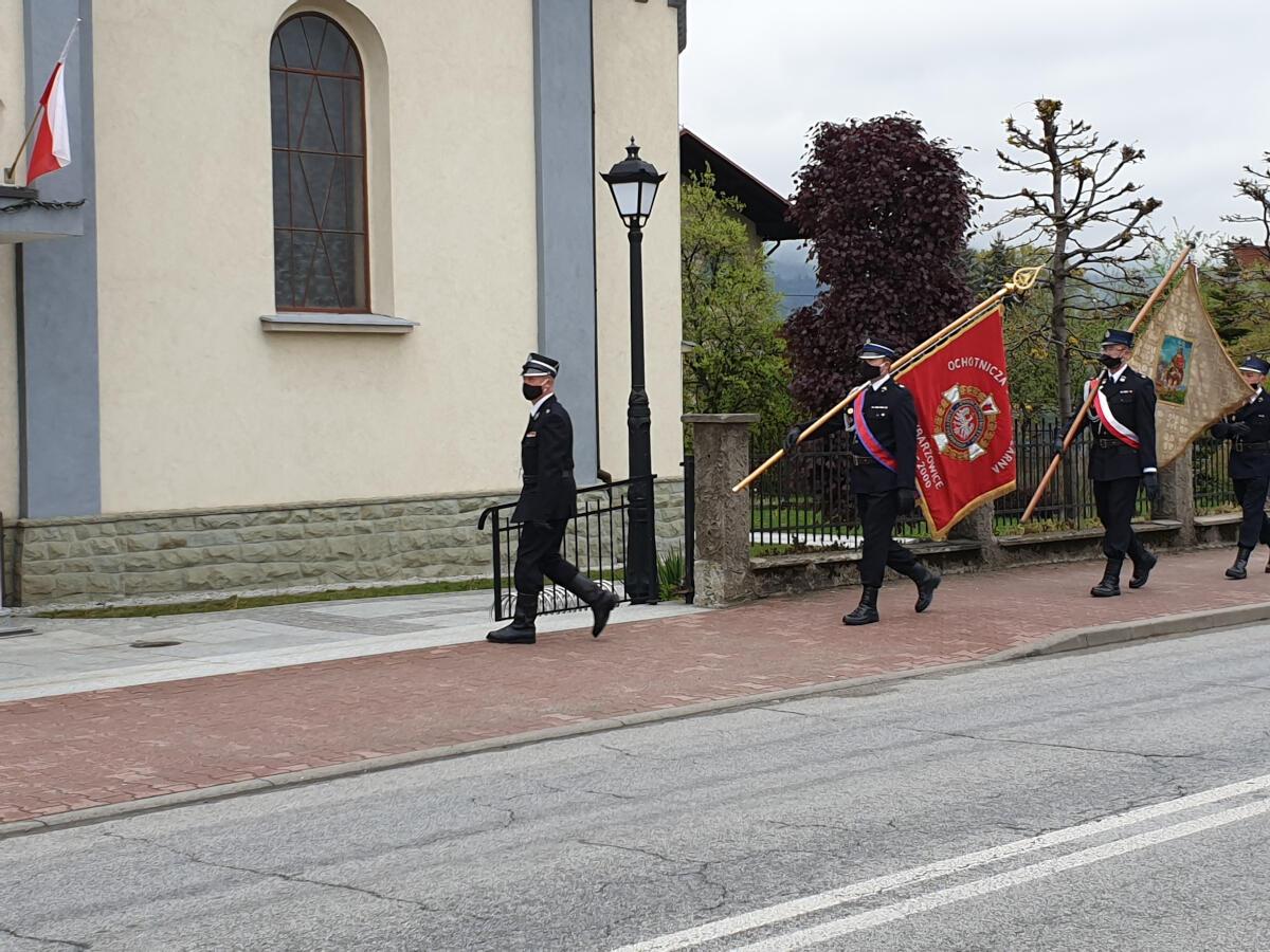 Dzień Strażaka - Uroczystość w kościele zdjęcie nr 1