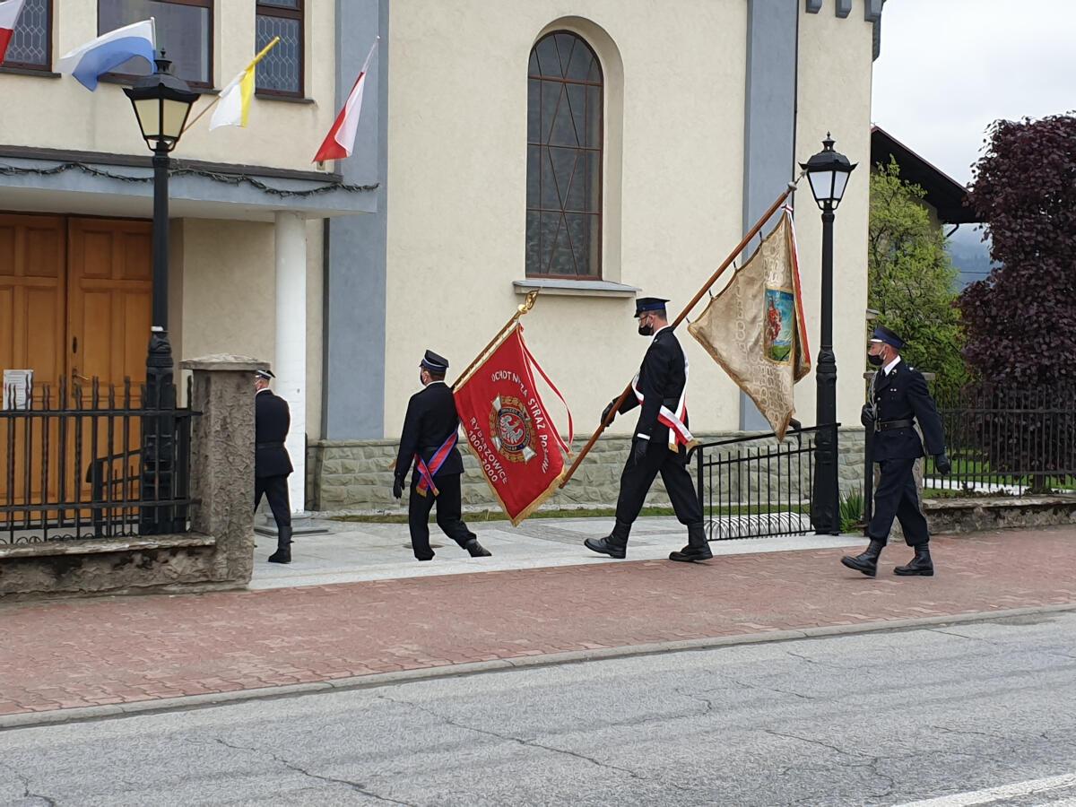 Dzień Strażaka - Uroczystość w kościele zdjęcie nr 2
