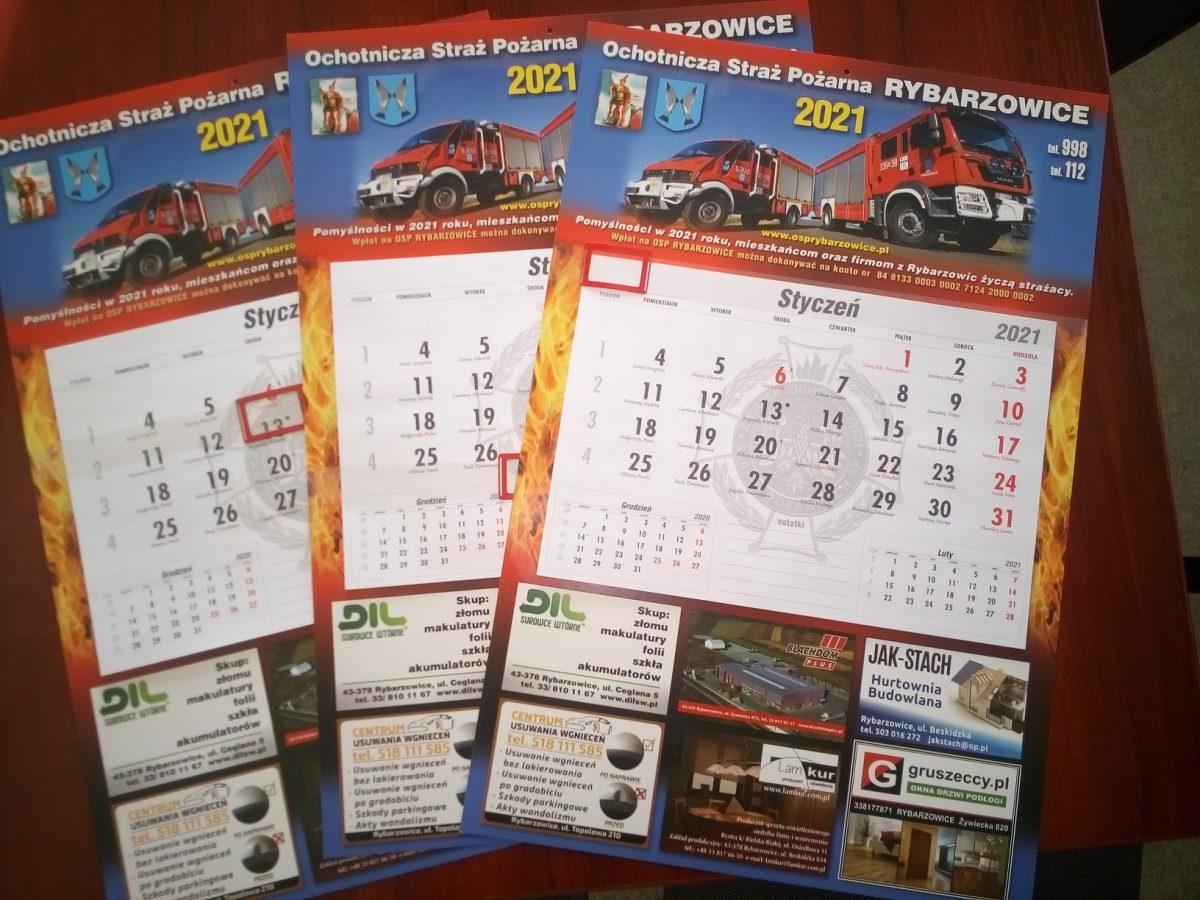 Zdjęcie kalendarzy strażackich na 2021 rok